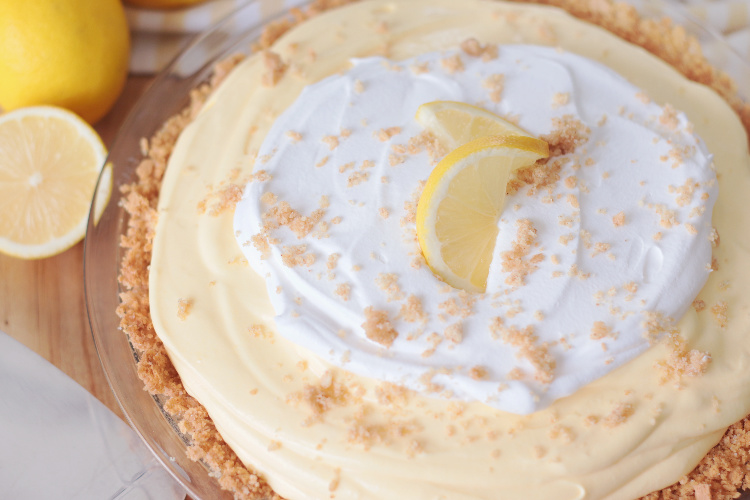 lemonade pie with graham cracker crust